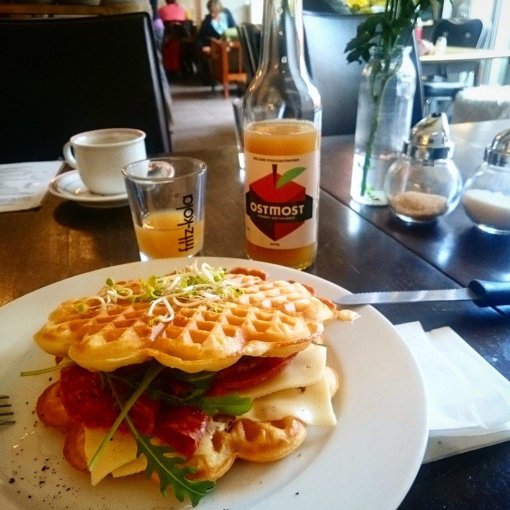 Ostfee_Brunch_in_Berlin
