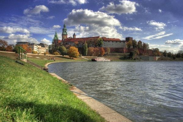 krakow-96746_1920-600x400-min
