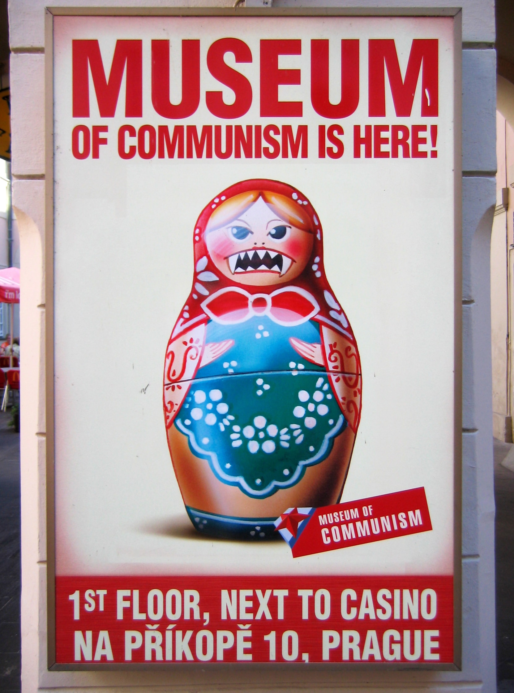 Museum_of_Communism_Poster_Prague_2009-min