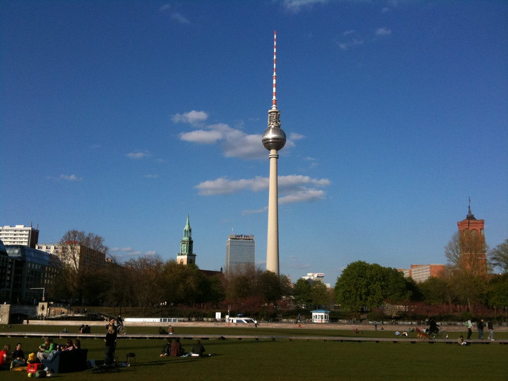 TV_Tower_of_East_Berlin-min