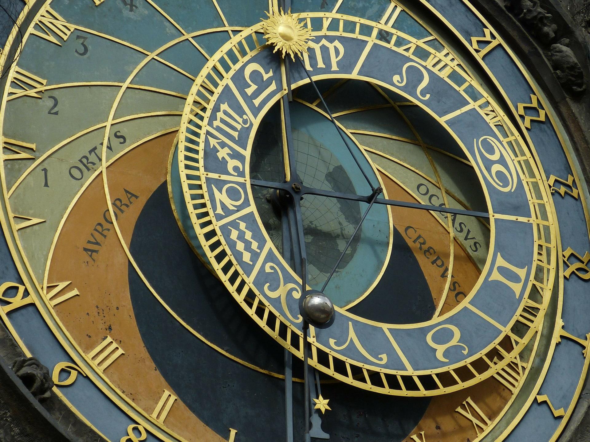 https://pixabay.com/en/astronomical-clock-prague-old-town-226897/