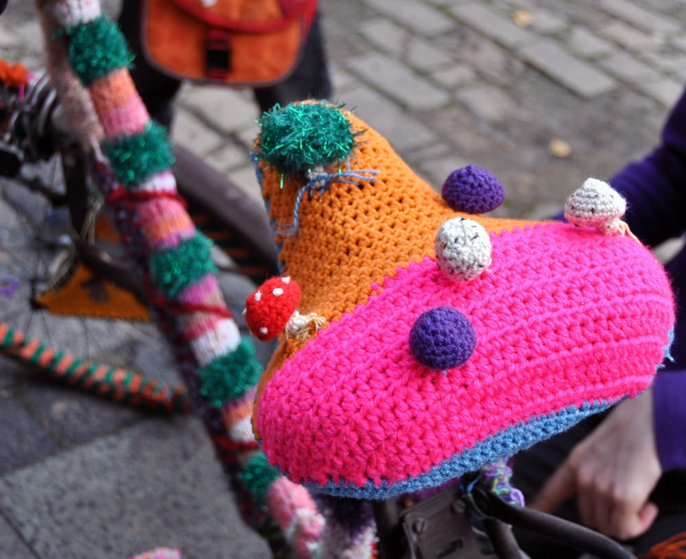 Knitted bike seat cover