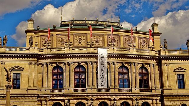 https://pixabay.com/en/czech-republic-prague-moldova-1279405/