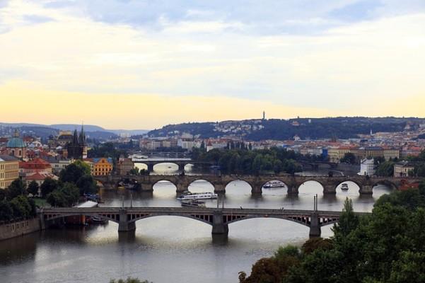 https://pixabay.com/en/prague-bridges-capital-river-city-411959/