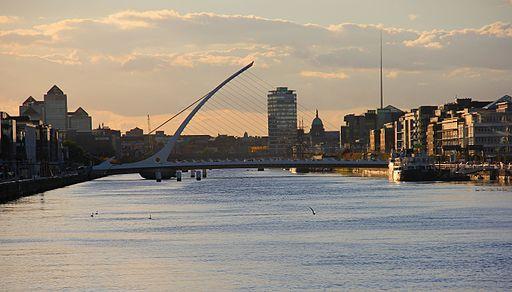 https://commons.wikimedia.org/wiki/File:Dublin_River_Liffey_04.JPG