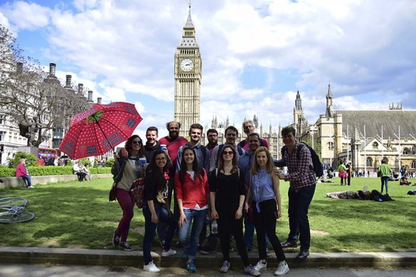 group on a free walking tour in London, England