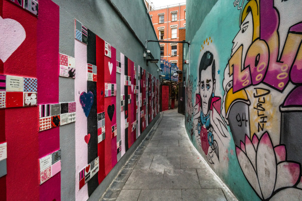 Graffiti and street art in Dublin city in Love lane