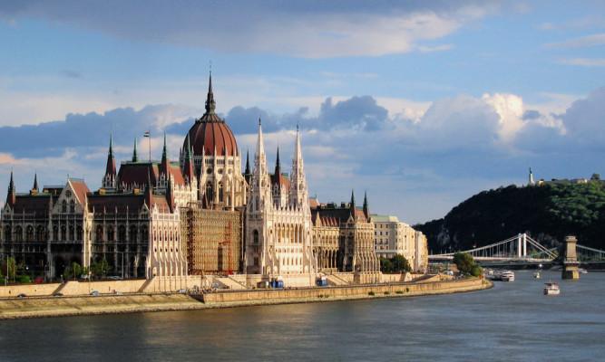 Parlamento de Budapest y Paseo del Danubio