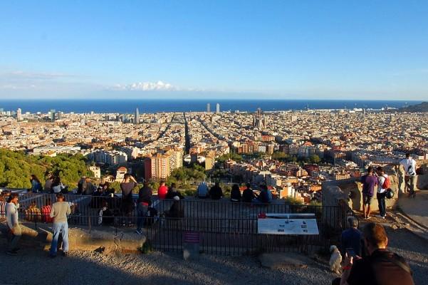Vista panorámica de Barcelona desde los Búnkers del Carmel (Turó de la Rovira).