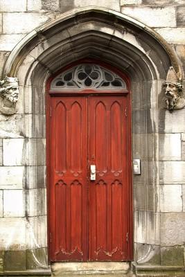 The head of Saint patrick depicted in stone on the door of the chapel Royal in the grounds of Dublin castle