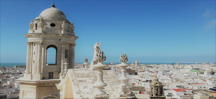 Best Places to Visit in Cádiz: A Budget Travel Guide