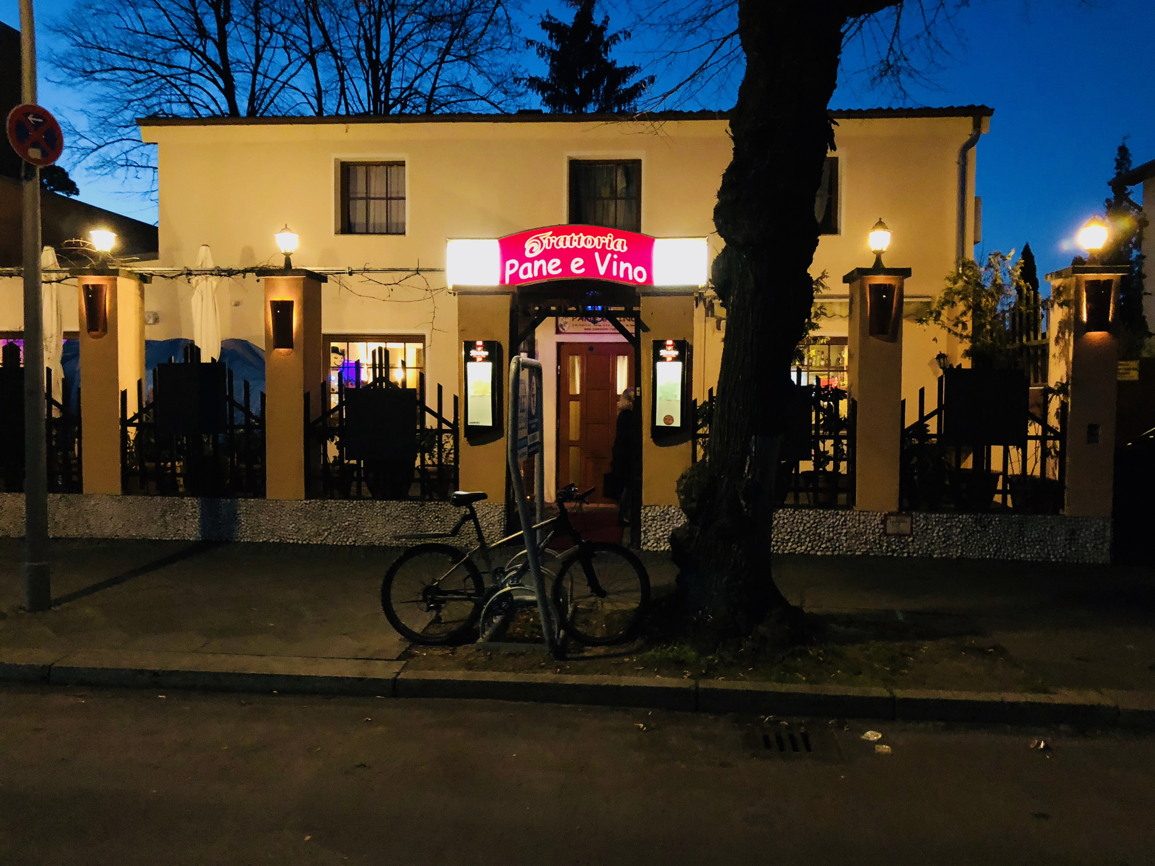 Pane e Vino restaurant in berlin at night